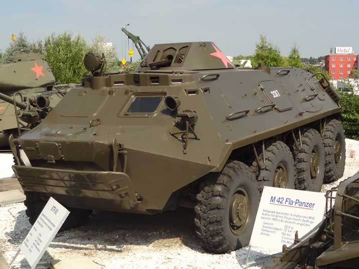 BTR 60 APC ( verlinden  1/35eme ) Sinshe10