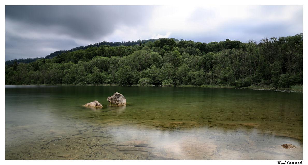 Sale temps sur le lac Ilay0110
