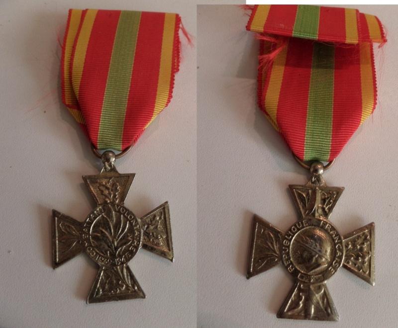 vend medaille CDG 1939, medaille afrique du Nord, CVM et ordre agricole Laos  Sam_2311
