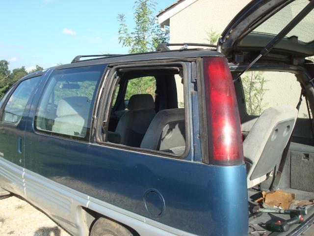 Ca doit aller mieux, j'ai racheté un Pontiac......... Dsc09723