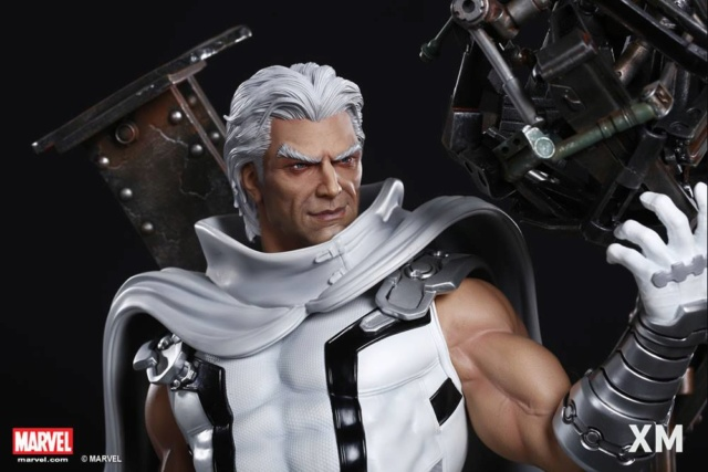Premium Collectibles : Magneto White Version 37278510