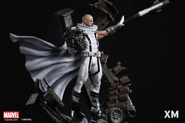 Premium Collectibles : Magneto White Version 37331010