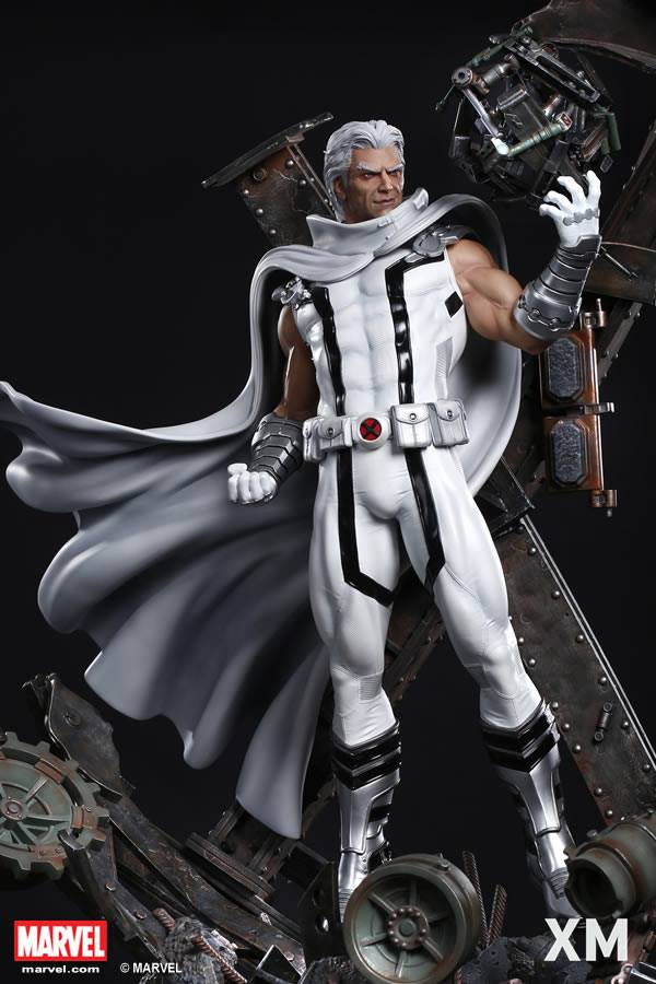 Premium Collectibles : Magneto White Version 37390710