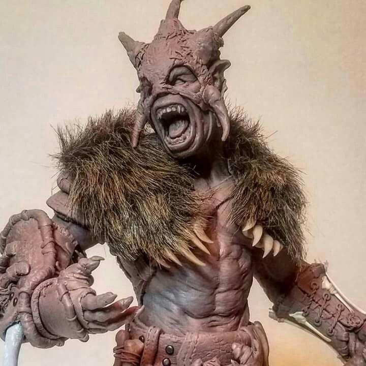 Statues et customs (créatures & Barbares) Anthon23
