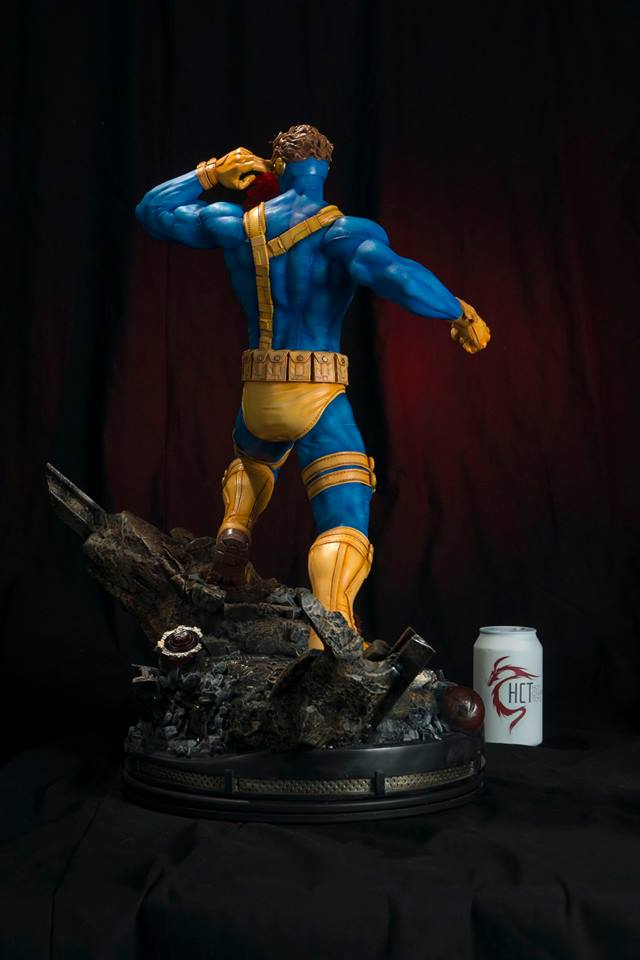 Statues et customs Cyclop16