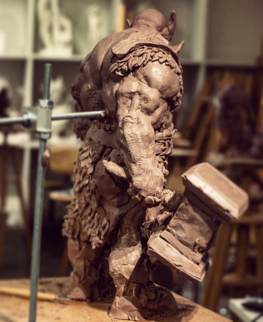 Statues et customs (créatures & Barbares) Cyril-14
