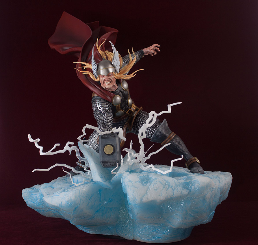 Statues et customs - Page 2 Thor_g21
