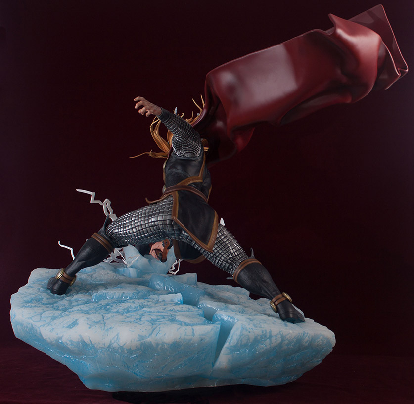 Statues et customs - Page 2 Thor_g22
