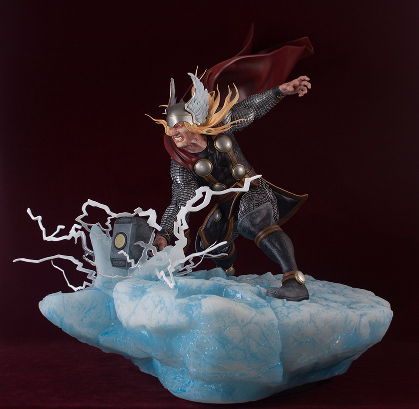 Statues et customs - Page 2 Thor_g23