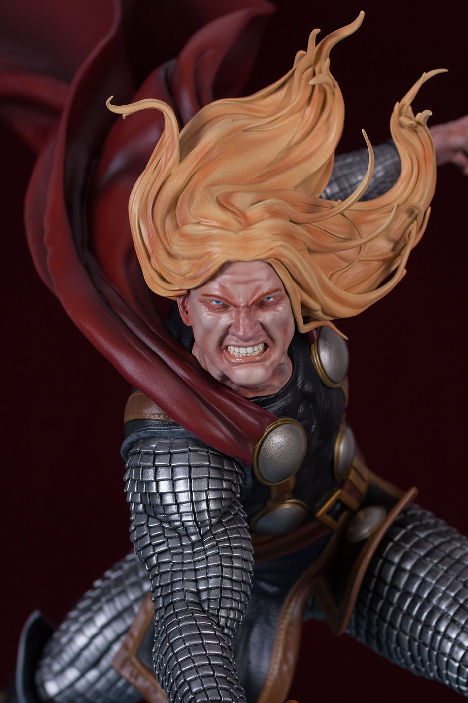 Statues et customs - Page 2 Thor_g31