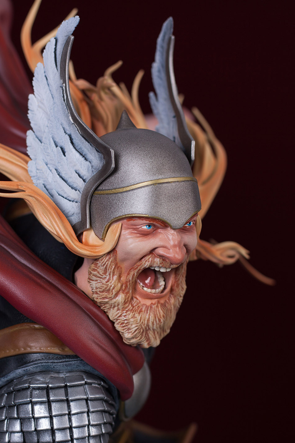 Statues et customs - Page 2 Thor_g32