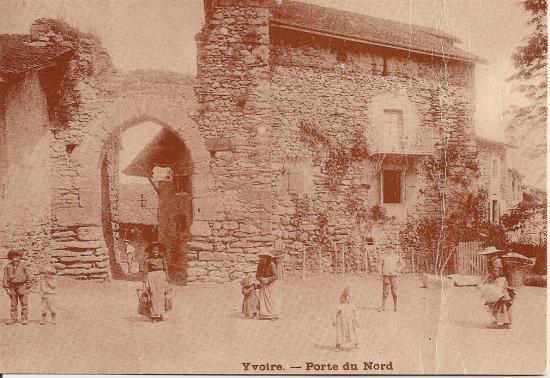 Villes et villages en cartes postales anciennes .. - Page 43 Cart_a13