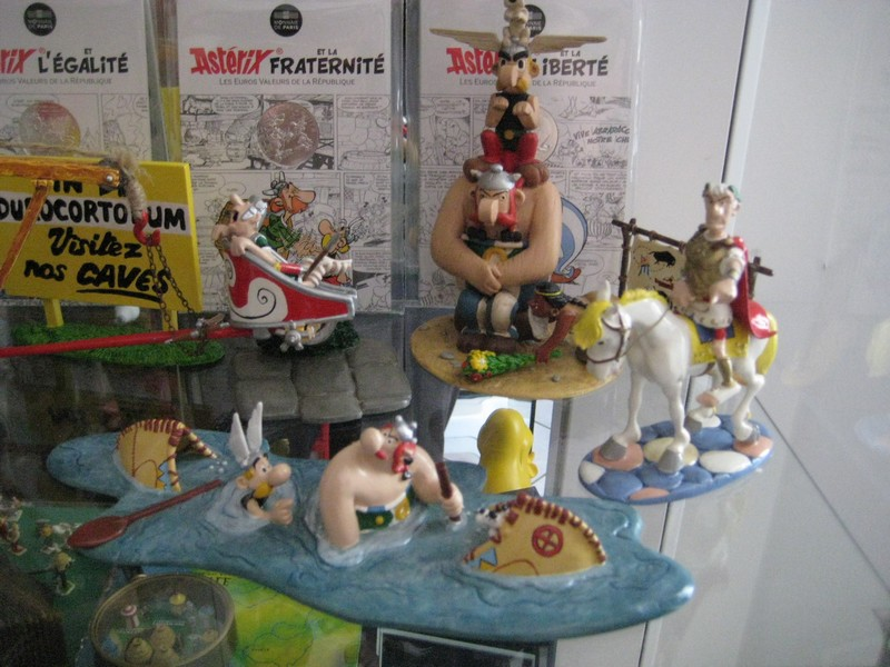 La Collection Asterix de Titice - Page 10 Img_3213