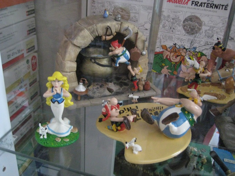 La Collection Asterix de Titice - Page 10 Img_3214