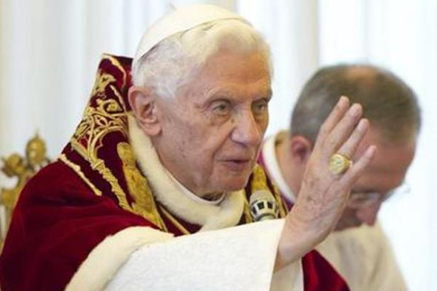Une Prophétie reçu par Maria DLDM annonçait un an jour pour jour la démission de Benoît XVI ! - Page 6 Benoit10