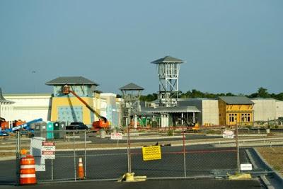 Les nouveaux centres commerciaux américains ressemblent à des prisons ! Fema-m10