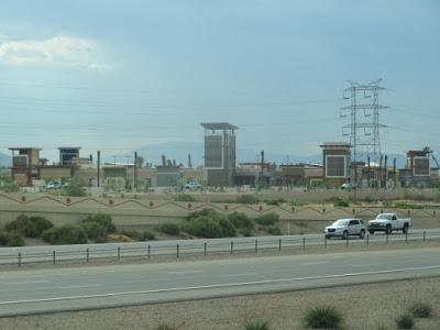 Les nouveaux centres commerciaux américains ressemblent à des prisons ! Foster10