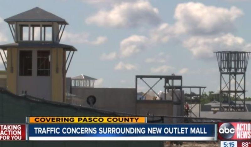 Les nouveaux centres commerciaux américains ressemblent à des prisons ! Sans-t16