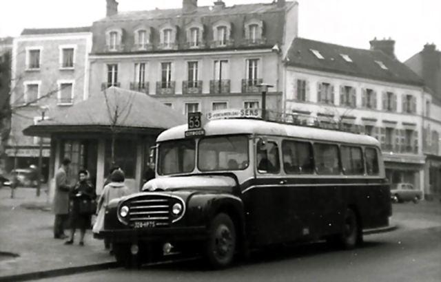 """2014 - Hachette Collections > """"Autobus & Autocars du Monde au 1/43 !"""" 069210"""