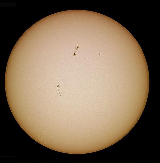 Une partie du système solaire avec différents instruments. Sans_t11
