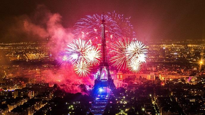 La fête nationale du 14 juillet Feu-ar10