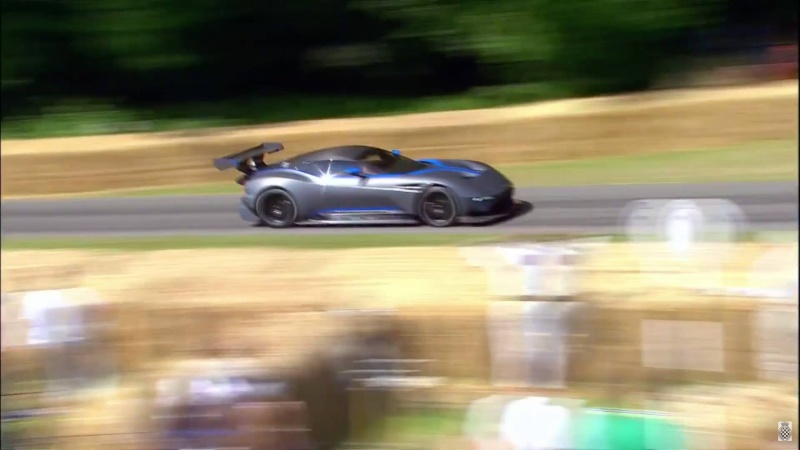 ASTON MARTIN VULCANO going GTE/GT3 Ast10510