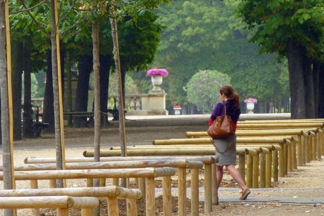 Choses vues dans le jardin du Luxembourg, à Paris - Page 4 Hetzro13