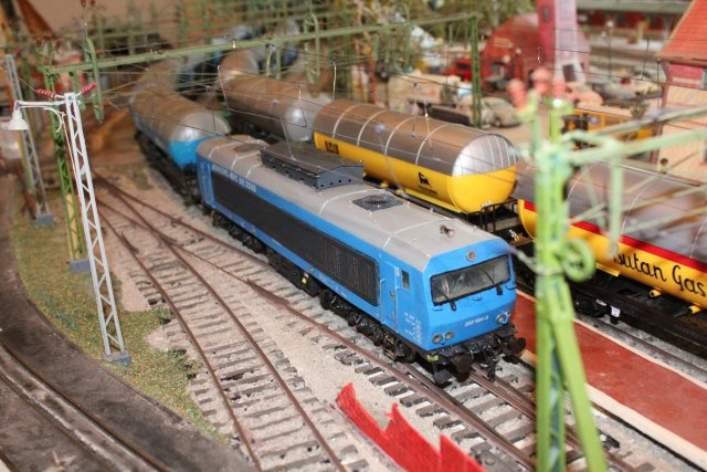 Das dritte Projekt 2014 - Die Henschel-BBC DE2500 Lok in 0 - Seite 3 Img_5911