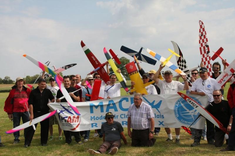 Pylon racing à Reyrieux Img_2310