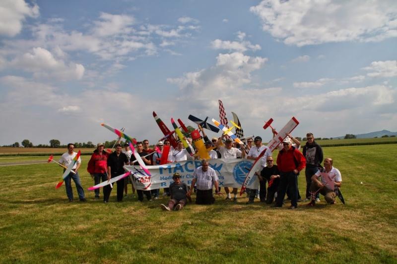 Pylon racing à Reyrieux Img_2321