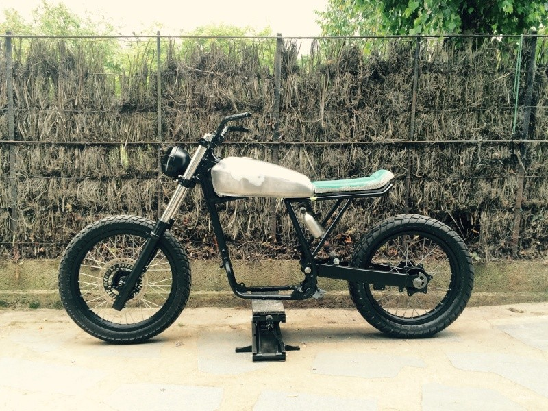 XR 600 supermot ou tracker style CRD - Page 2 Xr-tra10