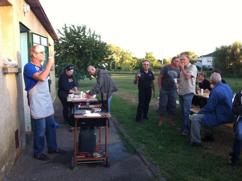 Barbecue de l'Aqua Club de Loupershouse-Mercredi 29 juillet Groupe11