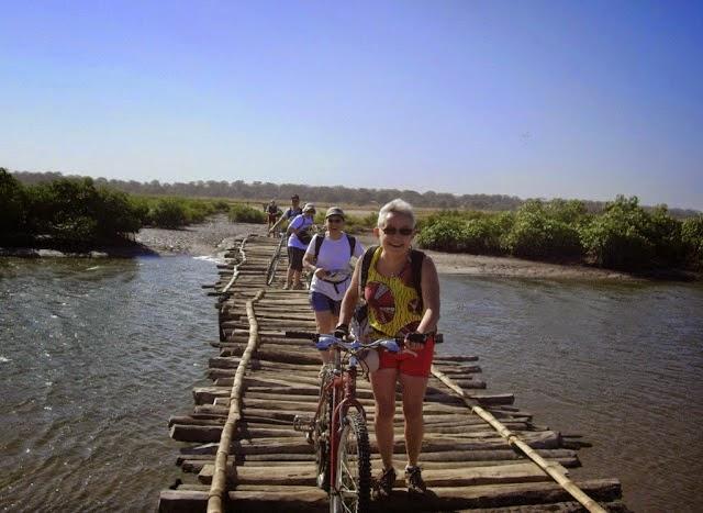 Ponts, viaducs et tunnels remarquables (ouvrages d'art) pour le vélo - Page 2 Imgp4410