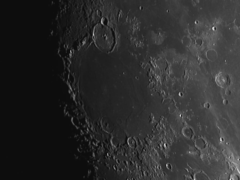 Un peu de Lune pour changer ? 2018-024