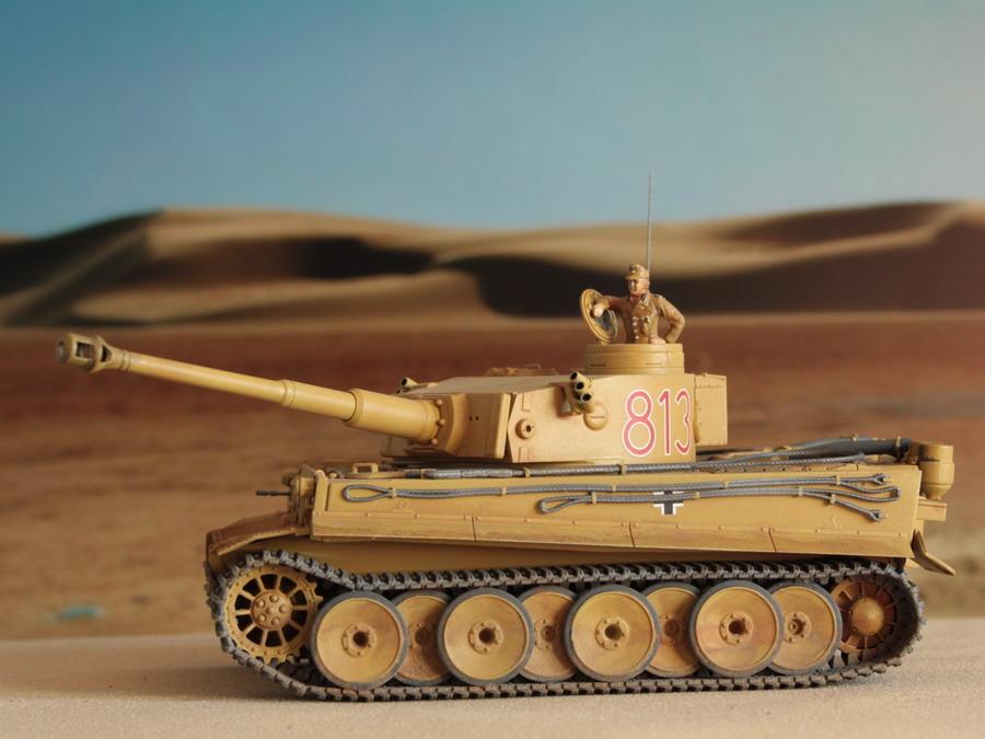 Un félin dans le sable : Tigre I Tamiya 1/48eme (fini) - Page 4 Tigre_55