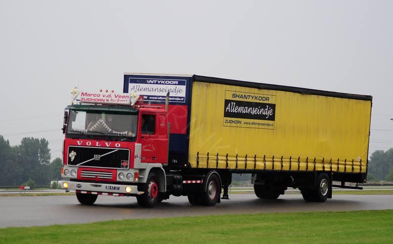 Volvo F 10,12 et 16. - Page 4 10453410