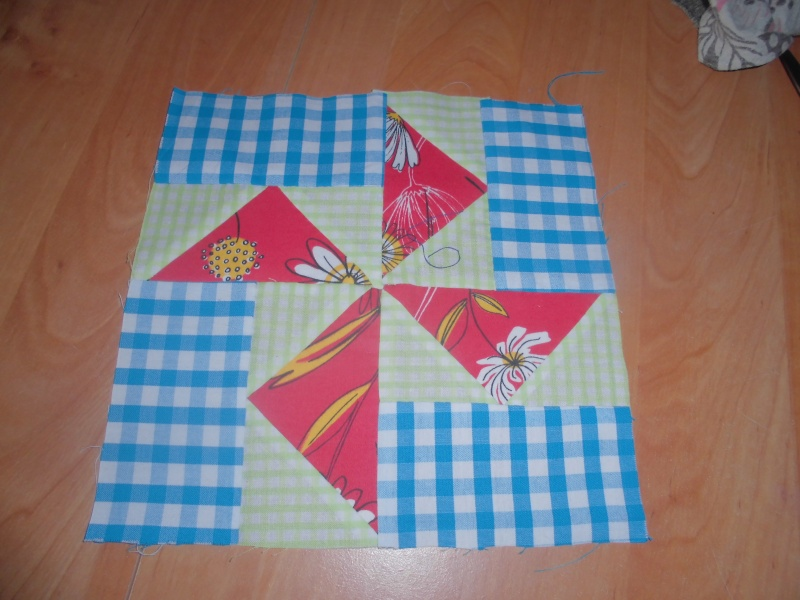 mon plaid de la revue patchwork facile  - Page 4 Cimg1611