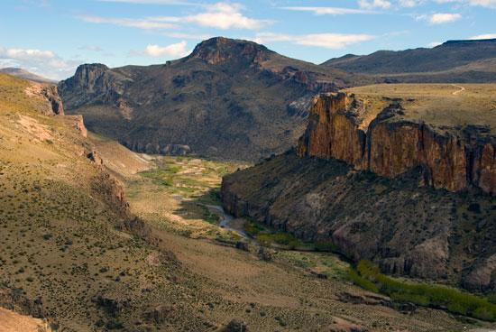 La Mítica ruta 40 en Argentina. Aspectos generales. Cueva-10