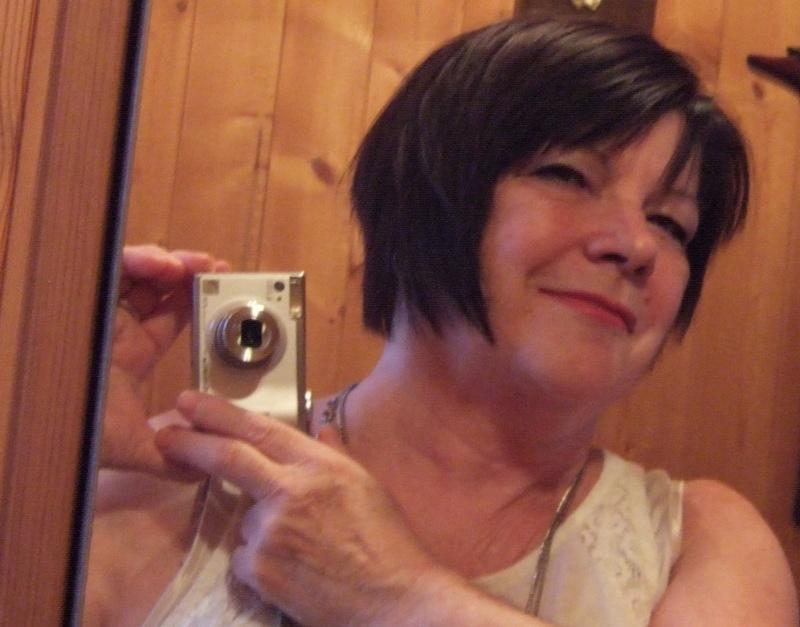 J'ai changé ma coupe de cheveux et ma couleur. Denise11