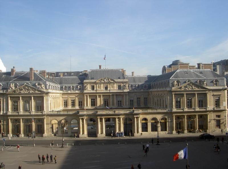 Le Palais Royal Pict6010