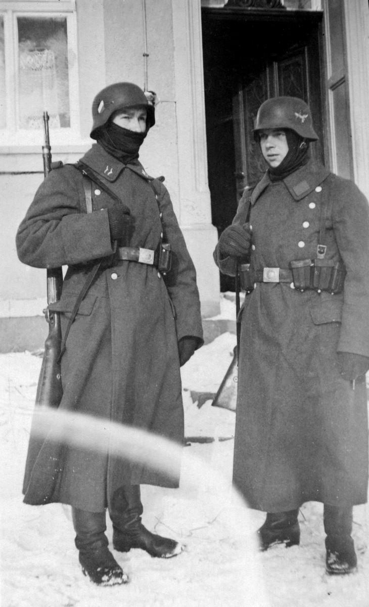 Soldats de la Luftwaffe - Page 7 1110
