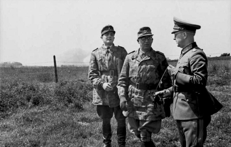Les troupes de la Luftwaffe en Normandie - Page 6 5210