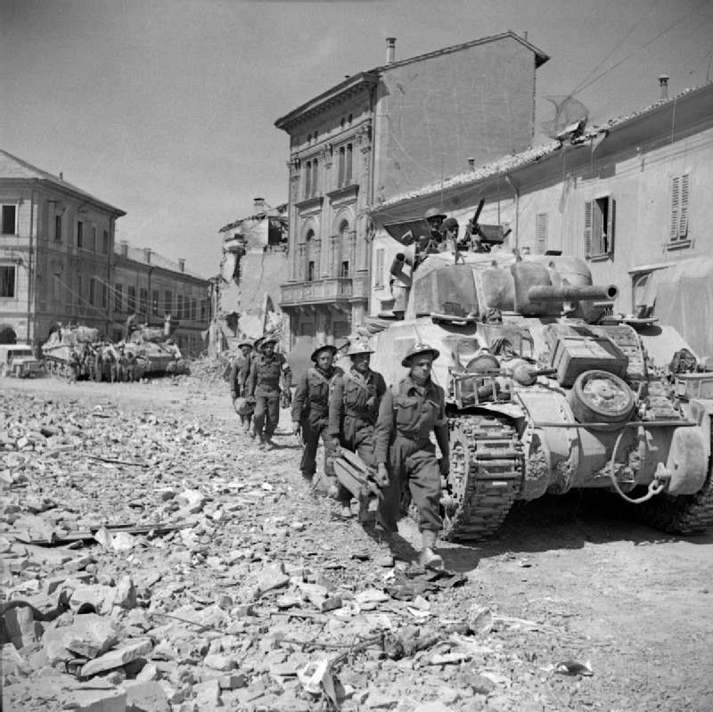Les troupes de la Luftwaffe en Italie - Page 8 A2510