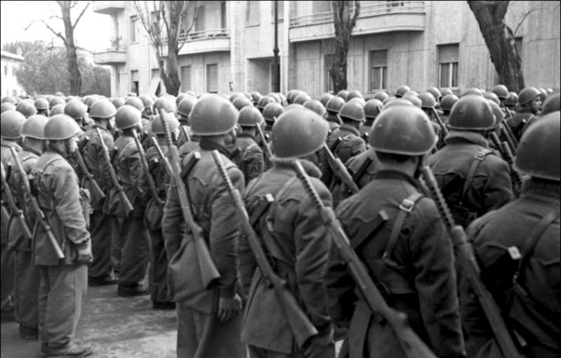 Les troupes de la Luftwaffe en Italie - Page 8 Mars1910