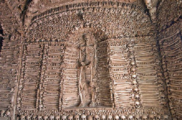 Spomenici od ljudskih kostiju 2e374c10