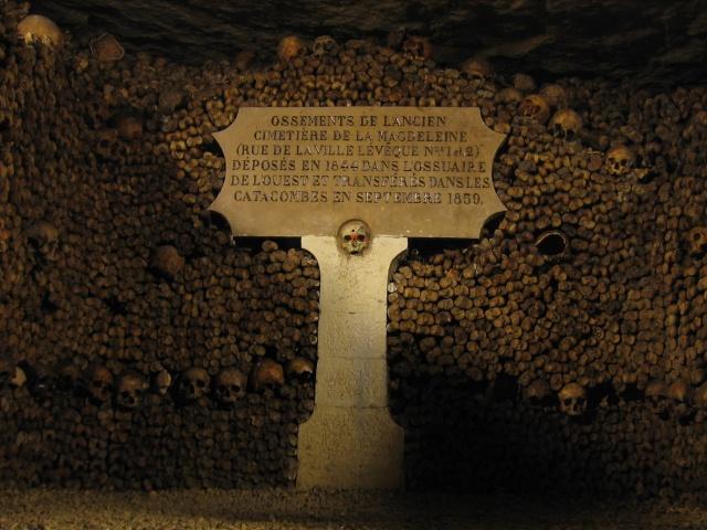 Spomenici od ljudskih kostiju Cataco10
