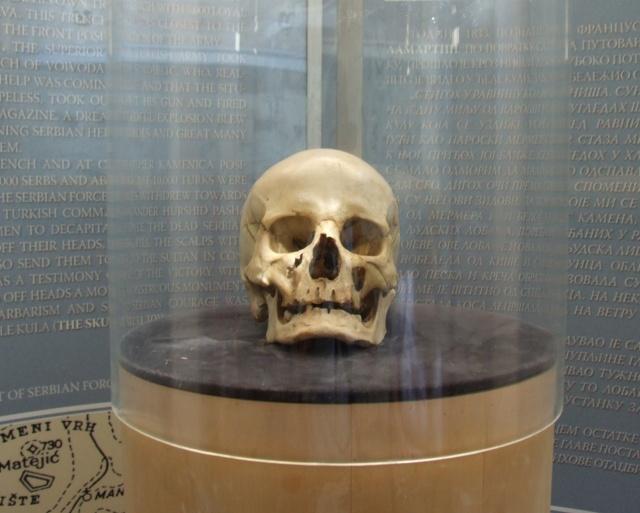 Spomenici od ljudskih kostiju Oele-k10