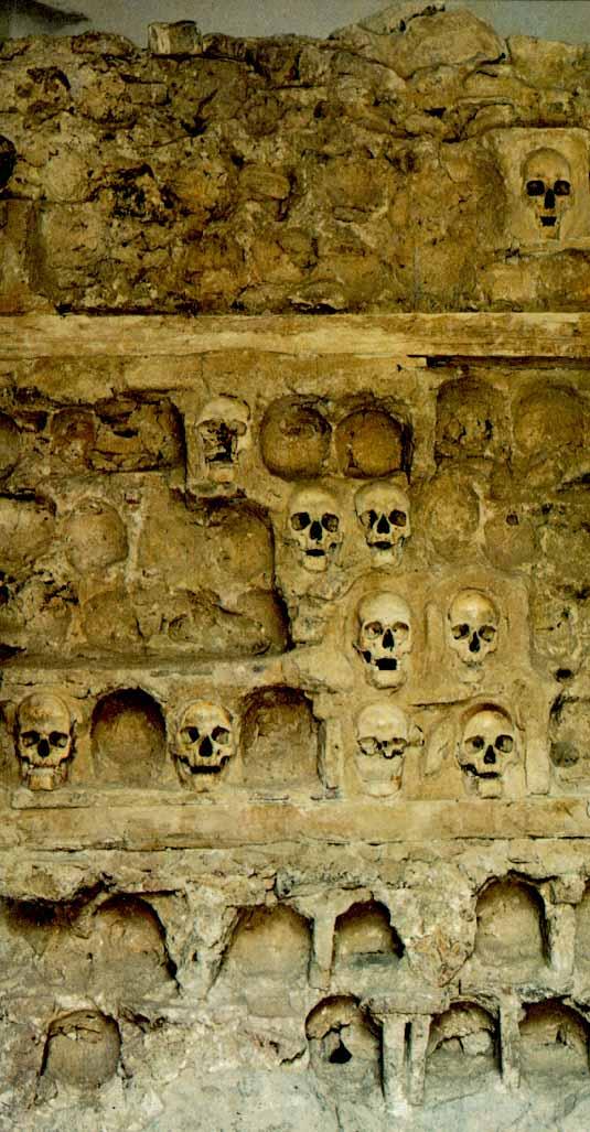 Spomenici od ljudskih kostiju Oele_k10