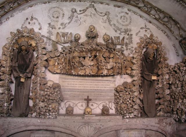 Spomenici od ljudskih kostiju Rom_sa10