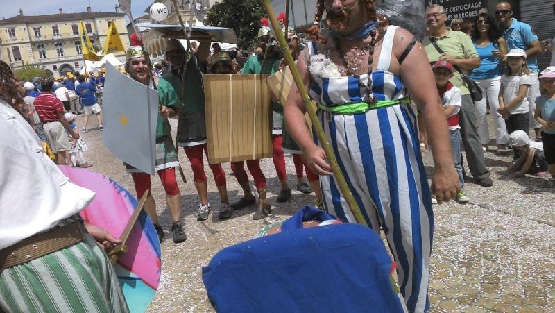 j'ai vu Obélix et les romains déjà chaussés de crocs!!! 04710